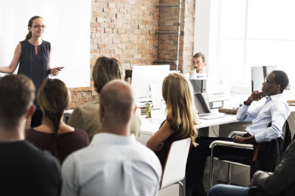 TRAIN YOUR STAFF EFFECTIVELY